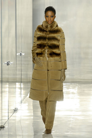 Показ Chado Ralph Rucci коллекции сезона Осень-зима 2011-2012 года prêt-à-porter - www.elle.ru - Подиум - фото 229425