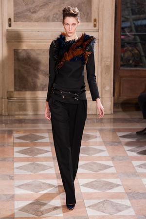 Показ Bouchra Jarrar коллекции сезона Весна-лето 2014 года haute couture - www.elle.ru - Подиум - фото 574670