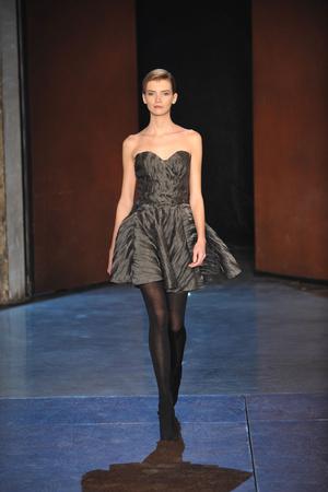 Показ Lefranc Ferrant коллекции сезона Весна-лето 2010 года Haute couture - www.elle.ru - Подиум - фото 139117