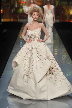 Показ Christian Dior коллекции сезона Весна-лето 2009 года Haute couture - www.elle.ru - Подиум - фото 86386
