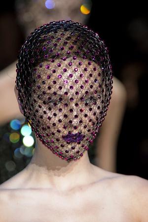 Показ Giorgio Armani Privé коллекции сезона Весна-лето 2011 года Haute couture - www.elle.ru - Подиум - фото 215612