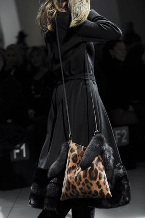 Показ Simonetta Ravizza коллекции сезона Осень-зима 2011-2012 года Prêt-à-porter - www.elle.ru - Подиум - фото 257001