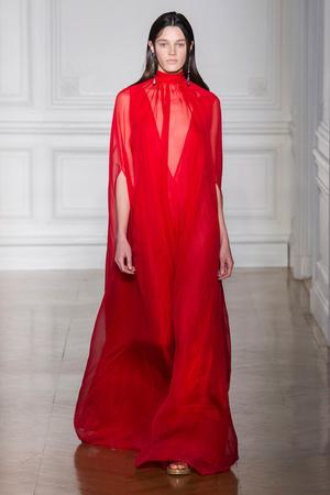 Показ Valentino коллекции сезона Весна-лето  2017 года Haute couture - www.elle.ru - Подиум - фото 616686