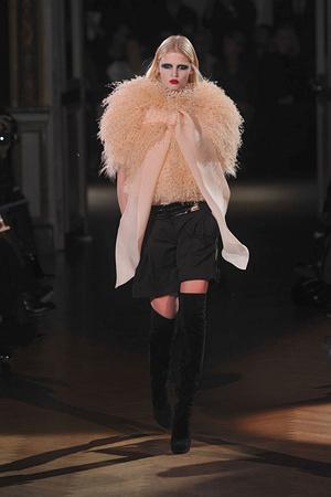 Показ Givenchy коллекции сезона Весна-лето 2010 года haute couture - www.elle.ru - Подиум - фото 138536