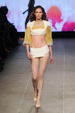 Показ Julien Fournie коллекции сезона Весна-лето 2012 года Haute couture - www.elle.ru - Подиум - фото 331785