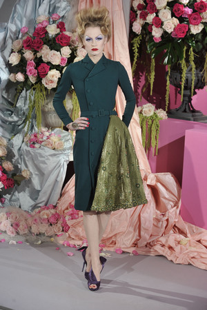Показ Christian Dior коллекции сезона Весна-лето 2010 года haute couture - www.elle.ru - Подиум - фото 138233