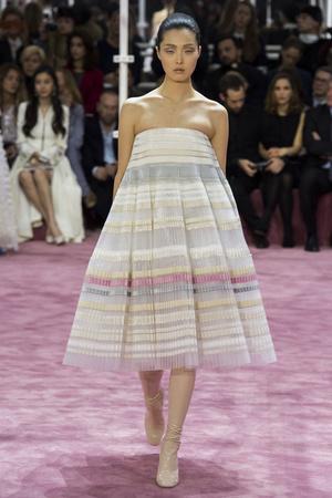 Показ Christian Dior коллекции сезона Весна-лето 2015 года Haute couture - www.elle.ru - Подиум - фото 592831