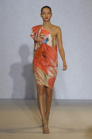 Показ Nicole Farhi коллекции сезона Весна-лето 2012 года Prêt-à-porter - www.elle.ru - Подиум - фото 299496