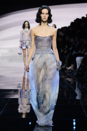 Показ Armani Prive коллекции сезона Весна-лето  2016 года haute couture - www.elle.ru - Подиум - фото 602798