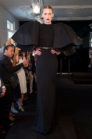 Показ Stephane Rolland коллекции сезона Осень-зима 2015-2016 года Haute couture - www.elle.ru - Подиум - фото 597504