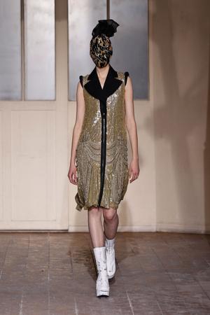 Показ Maison Martin Margiela коллекции сезона Весна-лето 2013 года haute couture - www.elle.ru - Подиум - фото 480778
