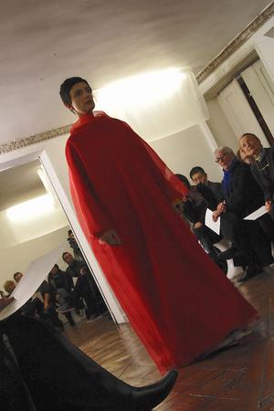Показ Adeline Andre коллекции сезона Весна-лето 2010 года haute couture - www.elle.ru - Подиум - фото 138091