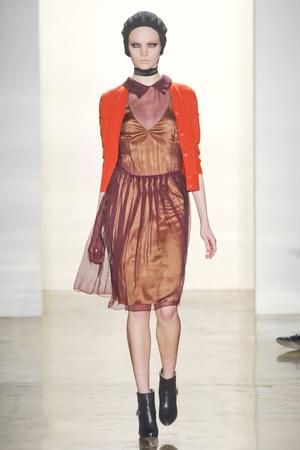 Показ Sophie Theallet коллекции сезона Осень-зима 2011-2012 года prêt-à-porter - www.elle.ru - Подиум - фото 231030