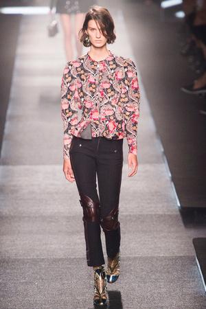 Показ Louis Vuitton коллекции сезона Весна-лето 2015 года Prêt-à-porter - www.elle.ru - Подиум - фото 592609