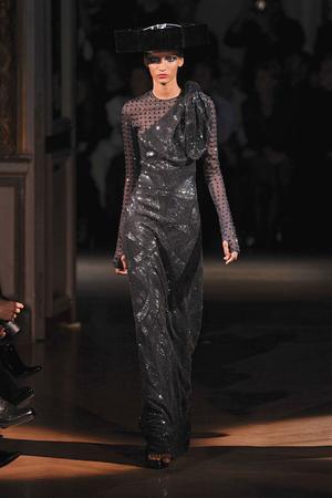 Показ Givenchy коллекции сезона Весна-лето 2010 года Haute couture - www.elle.ru - Подиум - фото 138535