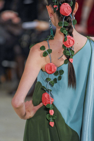 Показ Alexis Mabille коллекции сезона Весна-лето 2011 года Haute couture - www.elle.ru - Подиум - фото 215069