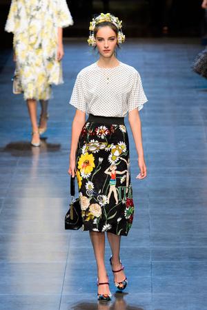 Показ Dolce & Gabbana коллекции сезона Весна-лето  2016 года prêt-à-porter - www.elle.ru - Подиум - фото 600495