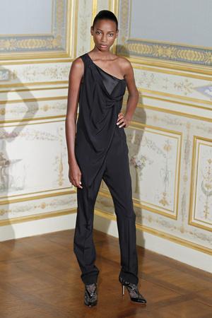 Показ Anne Valerie Hash коллекции сезона Осень-зима 2011-2012 года Haute couture - www.elle.ru - Подиум - фото 276947