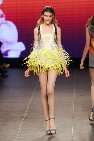 Показ Julien Fournie коллекции сезона Весна-лето 2012 года Haute couture - www.elle.ru - Подиум - фото 331794