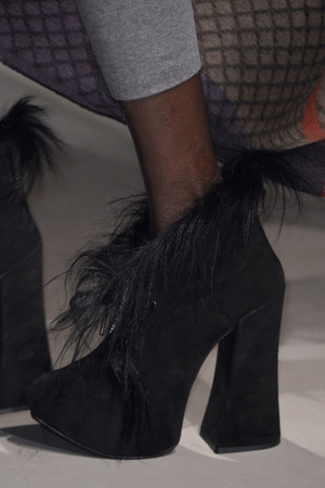 Показ Vivienne Westwood коллекции сезона Осень-зима 2013-2014 года Prêt-à-porter - www.elle.ru - Подиум - фото 540177