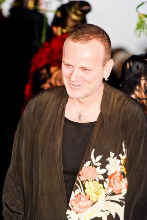 Показ Maurizio Galante коллекции сезона Весна-лето 2012 года Haute couture - www.elle.ru - Подиум - фото 330261