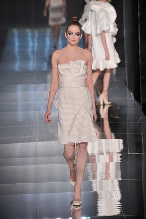 Показ Valentino коллекции сезона Весна-лето 2009 года Haute couture - www.elle.ru - Подиум - фото 86978