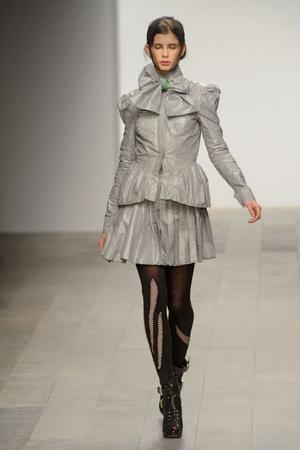 Показ Bora Aksu коллекции сезона Осень-зима 2011-2012 года prêt-à-porter - www.elle.ru - Подиум - фото 236518