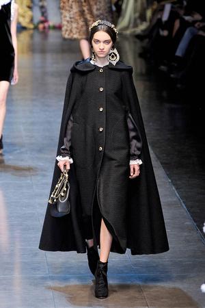 Показ Dolce & Gabbana коллекции сезона Осень-зима 2012-2013 года Prêt-à-porter - www.elle.ru - Подиум - фото 367862