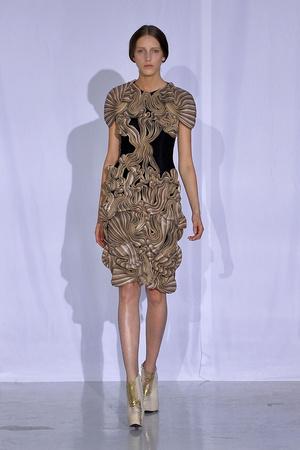Показ  коллекции сезона Осень-зима 2011-2012 года Haute couture - www.elle.ru - Подиум - фото 276987
