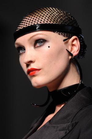 Показ Jean Paul Gaultier коллекции сезона Осень-зима 2012-2013 года Haute couture - www.elle.ru - Подиум - фото 404712