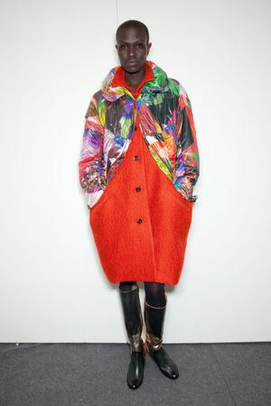 Показ Issey Miyake коллекции сезона Осень-зима 2012-2013 года prêt-à-porter - www.elle.ru - Подиум - фото 382780