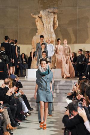 Показ Bouchra Jarrar коллекции сезона Весна-лето 2012 года Haute couture - www.elle.ru - Подиум - фото 330140