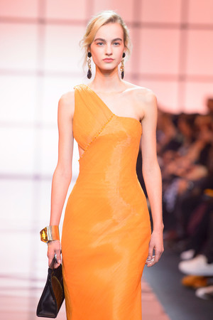 Показ Giorgio Armani Privé коллекции сезона Весна  2017 года Haute couture - www.elle.ru - Подиум - фото 616472
